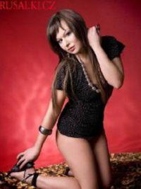 Escort Agnes in At Bashy